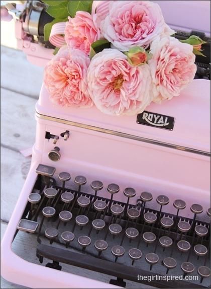 vintage-pink-typewriter